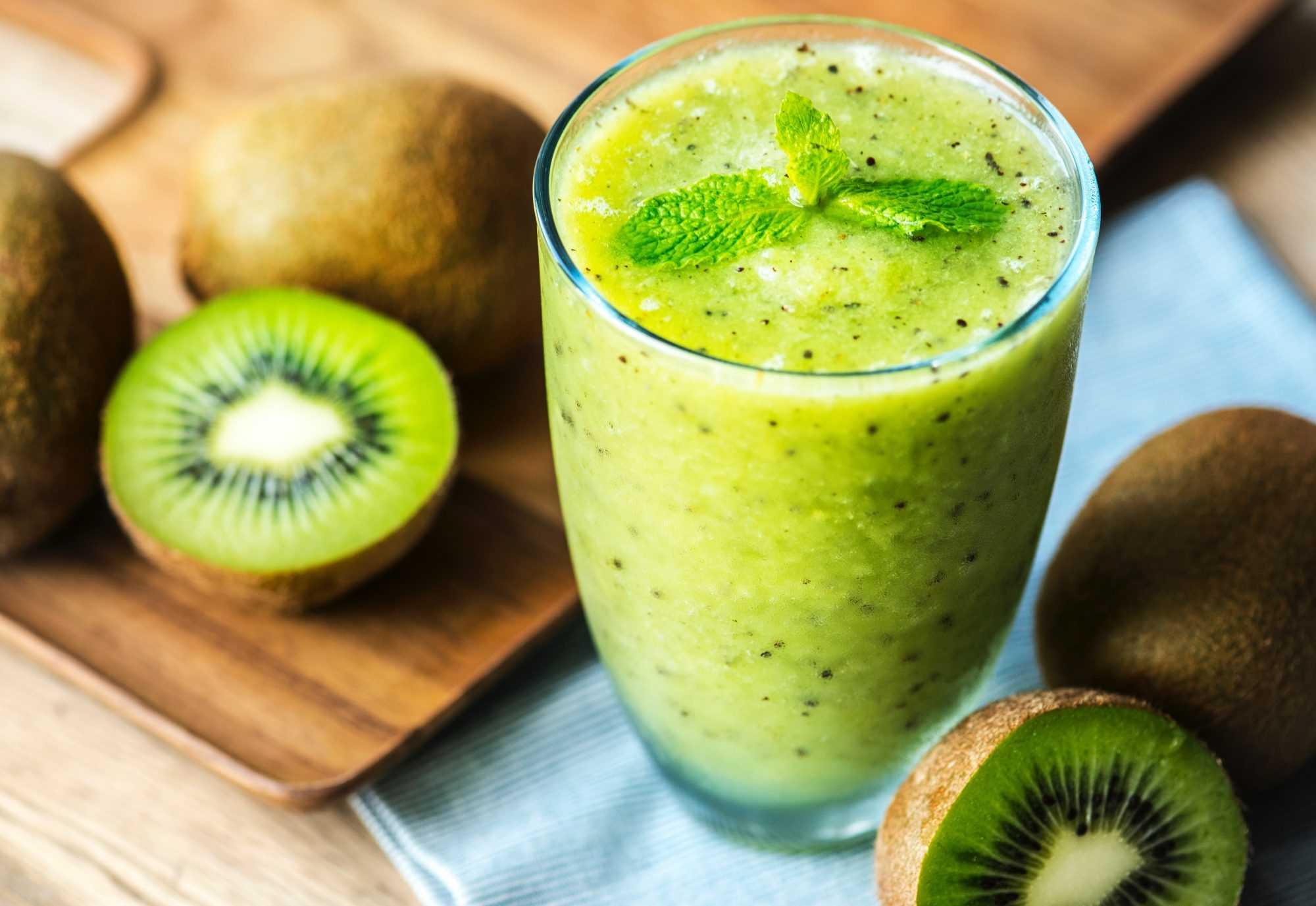 Kiwi und Ananas Smoothie